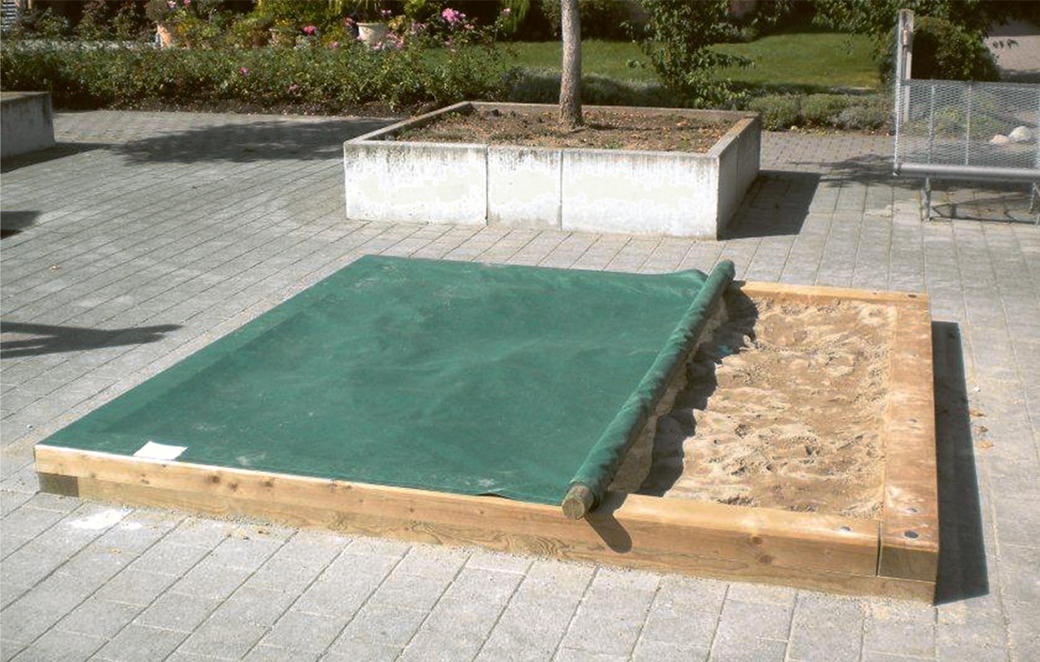 sandkasten aus kantholz fuchs thun. Black Bedroom Furniture Sets. Home Design Ideas